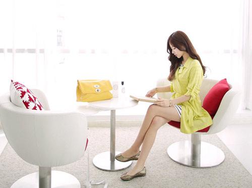 Mách bạn mặc màu vàng chanh đầy sức sống - 6