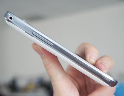 Samsung ra mắt Galaxy Trend giá mềm - 4