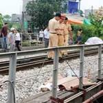Tin tức trong ngày - Băng qua đường sắt, bị tàu hỏa đâm chết