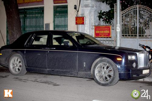 Bộ đôi Rolls-Royce Phantom vi vu phố Hà Nội - 2