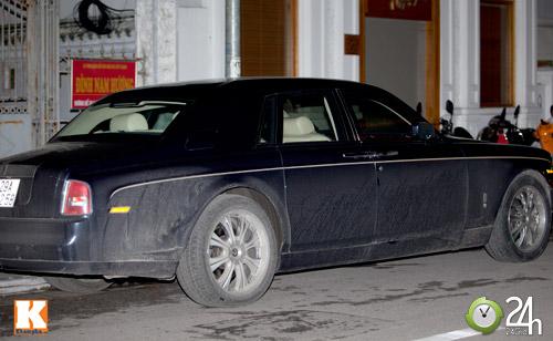 Bộ đôi Rolls-Royce Phantom vi vu phố Hà Nội - 3