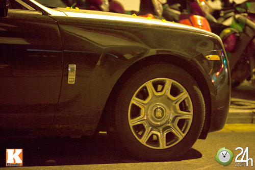 Bộ đôi Rolls-Royce Phantom vi vu phố Hà Nội - 15