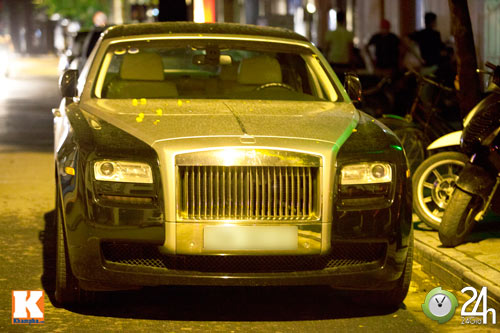 Bộ đôi Rolls-Royce Phantom vi vu phố Hà Nội - 10