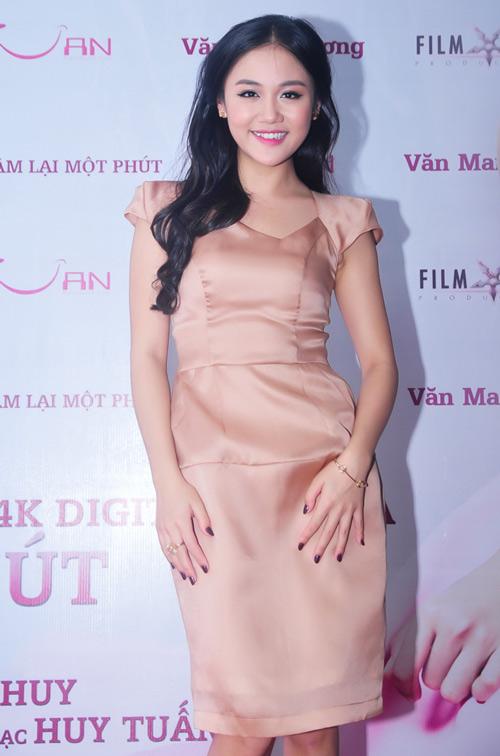 """Văn Mai Hương lột xác với MV """"khủng"""" - 9"""