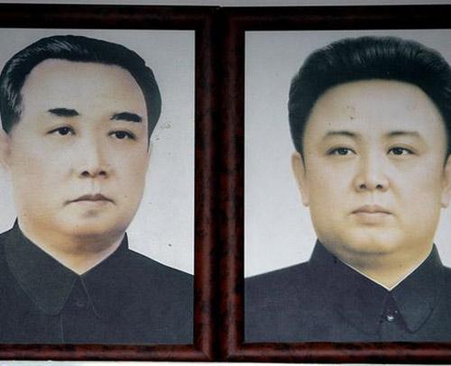 Triều Tiên: Đắm tàu vẫn ôm ảnh lãnh tụ - 2