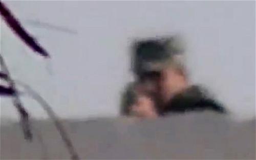 Nhà báo Ai Cập ghi hình thần chết của mình - 3