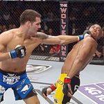 Thể thao - UFC 162: Trò hề trên sàn đấu (Silva - Weidman)