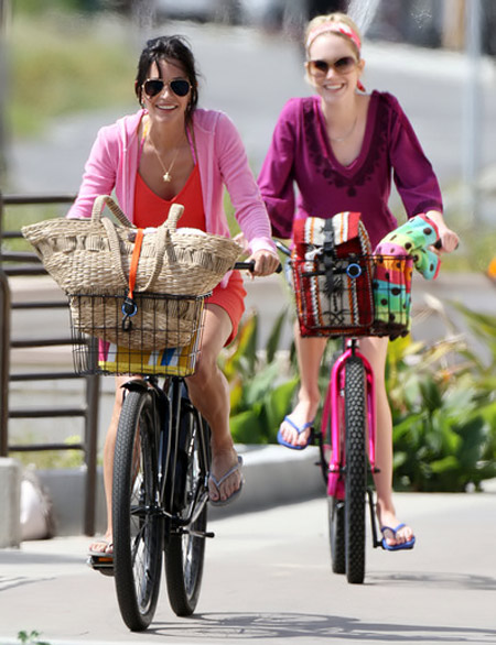 Hãy ăn vận sành điệu khi đi xe đạp! - 11