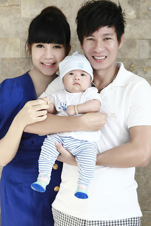 Vợ Lý Hải đẹp thon sau 3 tuần sinh con - 6