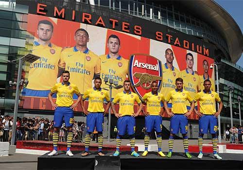 Arsenal đến Việt Nam: Vắng 4 trụ cột - 1