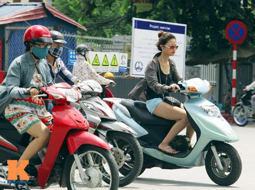 Giới trẻ vô ý thức tham gia giao thông - 11