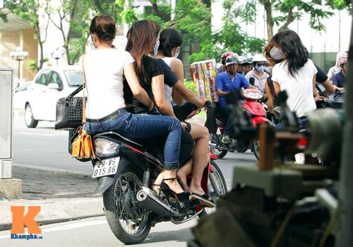 Giới trẻ vô ý thức tham gia giao thông - 7