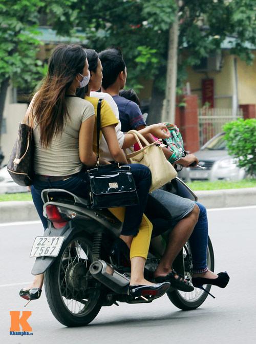 Giới trẻ vô ý thức tham gia giao thông - 6