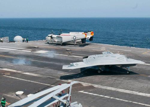 UAV Mỹ hạ cánh thành công xuống tàu sân bay - 3