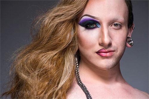Ngạc nhiên với màn hóa gái nhờ make up - 10