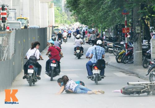 Giới trẻ vô ý thức tham gia giao thông - 14