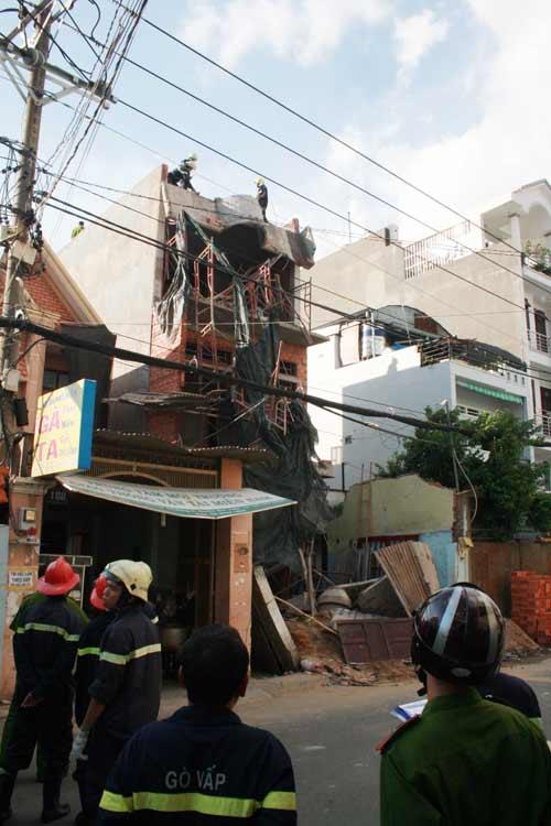 Sập mái vòm nhà đang xây, công nhân hút chết - 2