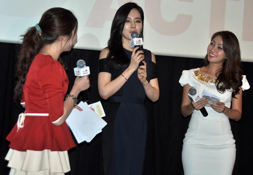 Han Ga In ghen tỵ với các bạn trẻ Việt - 12