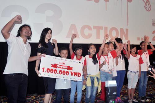 Han Ga In ghen tỵ với các bạn trẻ Việt - 13