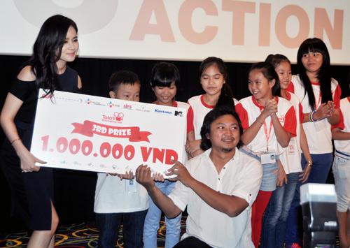 Han Ga In ghen tỵ với các bạn trẻ Việt - 14