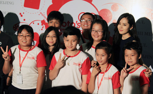 Han Ga In ghen tỵ với các bạn trẻ Việt - 10