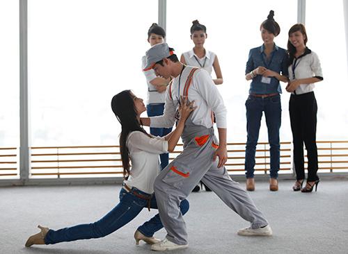 """Phim mới, Huy Khánh """"bầm dập"""" vì Diễm My - 10"""