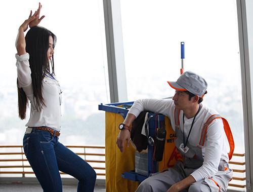 """Phim mới, Huy Khánh """"bầm dập"""" vì Diễm My - 9"""