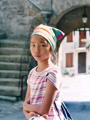 Tìm người hiến tế bào gốc cứu cô gái gốc Việt - 2
