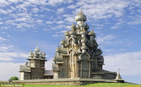Cận cảnh lâu đài làm bằng gỗ lớn nhất TG - 1
