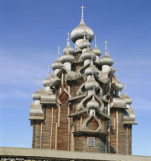 Cận cảnh lâu đài làm bằng gỗ lớn nhất TG - 2