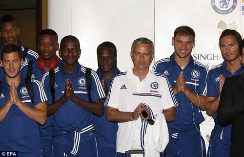 Mourinho gây cơn sốt ở Thái Lan - 1