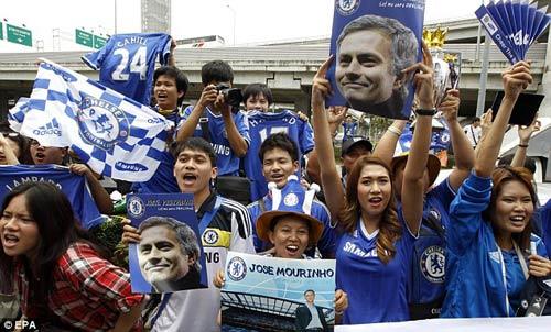 Mourinho gây cơn sốt ở Thái Lan - 2