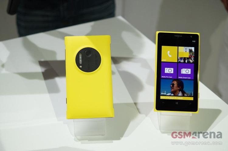 Nokia Lumia 1020 đang trở thành chủ đề được bàn tán nhiều nhất trên khắp các trang công nghệ của thế giới, sau khi được Giám đốc điều hành Stephen Elop công bố vào lúc 22h ngày 11/7, tại New York.