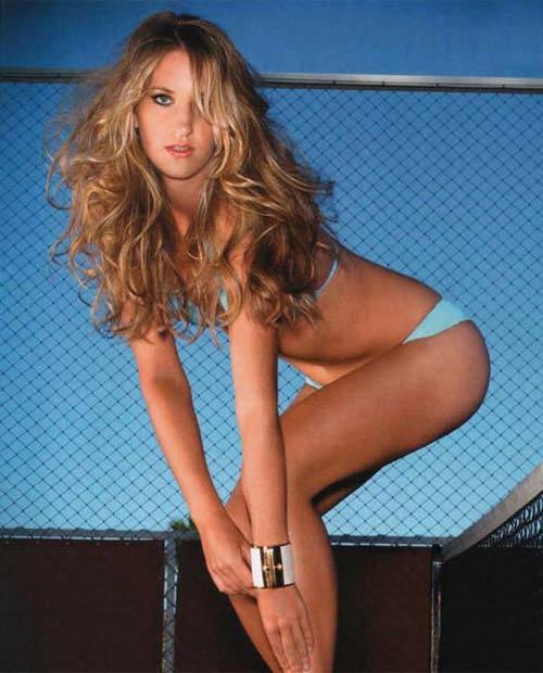 Sửng sốt với ảnh bikini của Azarenka - 3