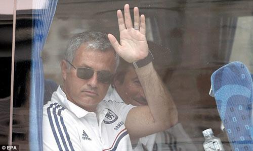 Moyes phản pháo Mourinho vụ Rooney - 1
