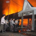 Tin tức trong ngày - Indonesia: 150 tù nhân đốt nhà tù vượt ngục
