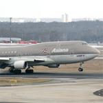 Tin tức trong ngày - Máy bay Asiana Airlines lại gặp sự cố