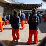 Tin tức trong ngày - Mỹ: Hơn 12.000 tù nhân đồng loạt tuyệt thực