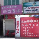 Tin tức trong ngày - Hạ Long: Phố ta hóa… phố Tàu