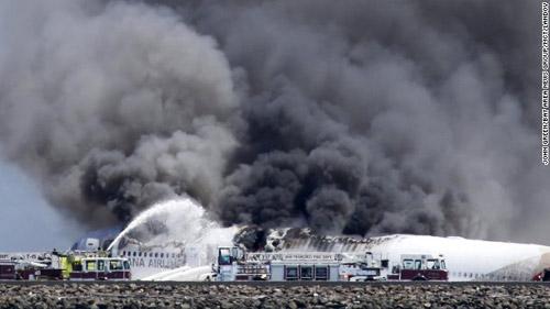 Vụ cháy máy bay ở Mỹ: Người thứ 3 qua đời - 1