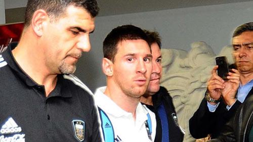Đến lượt Messi bức xúc với Barca - 1