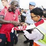 Bóng đá - Arsenal mang vệ sĩ, đầu bếp riêng tới Việt Nam