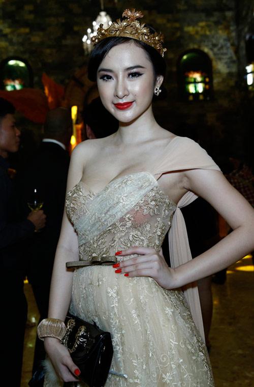 """""""Bỏng mắt"""" với váy hở của sao Việt - 10"""