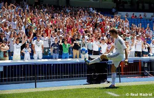 """""""Tiểu Alonso"""" chính thức ra mắt tại Real - 2"""