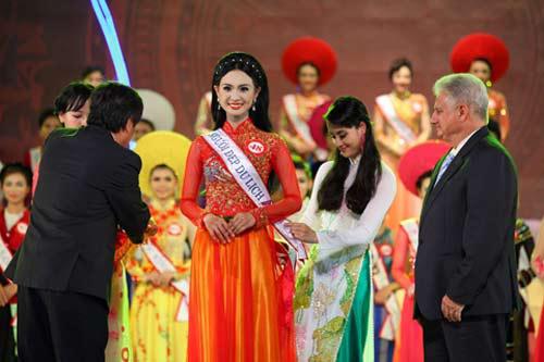 BTC Hoa hậu Dân tộc từ chối trả danh hiệu - 3