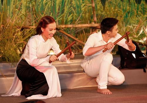 Ái Phương, Lân Nhã tình tứ hát nhạc kịch, Ca nhạc - MTV, Ai Phuong, Lan Nha, hat nhac kich, ao ba ba, song ca, ket hop, ngoi sao, ca sy, tin tuc
