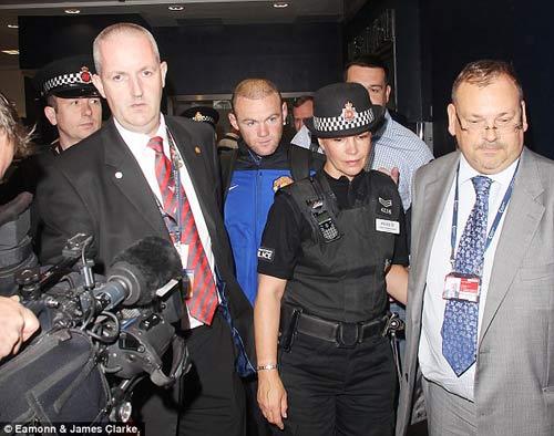 """Mourinho dùng vụ Rooney để """"phá"""" MU - 1"""
