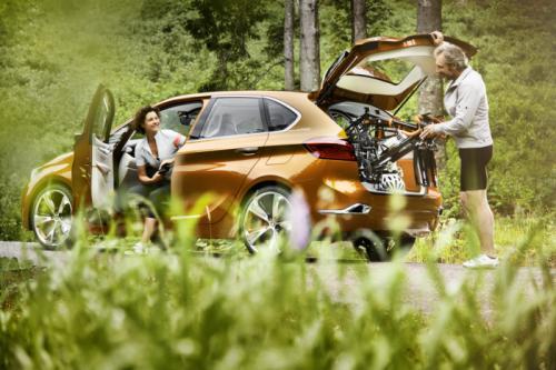 BMW Concept Active Tourer: Đẹp nhưng không sản xuất - 11