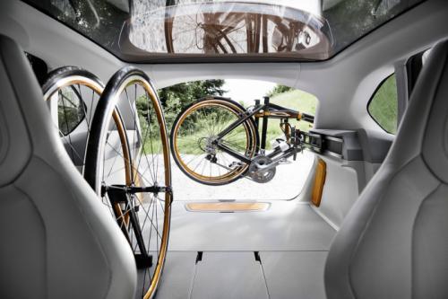 BMW Concept Active Tourer: Đẹp nhưng không sản xuất - 7