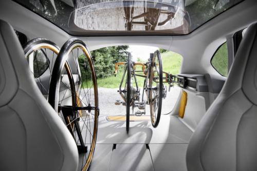 BMW Concept Active Tourer: Đẹp nhưng không sản xuất - 8